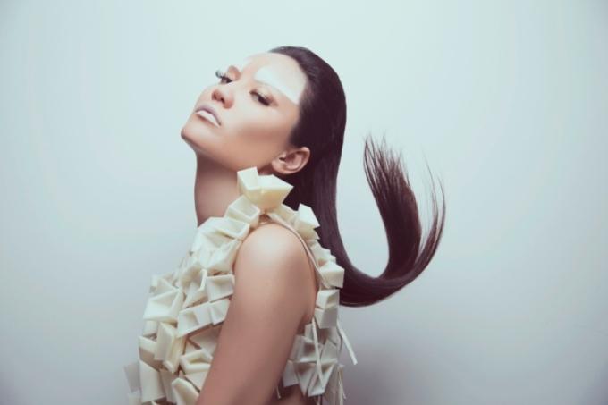 Studio Bint Thani, Amer Aldour, DesignFix, Design Days Dubai, Tahskeel, Tanween, dress, plastic dress, Urban Corp